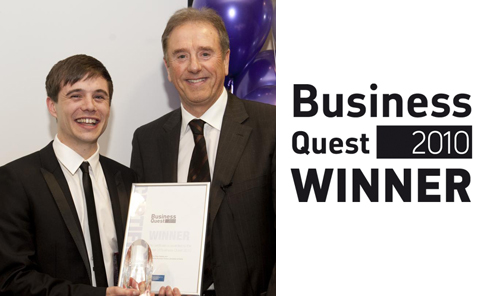 Chris Redshaw, director at Revolver Revolver, receiving his Business Quest Business Winner 2010 Award from Peter Gadsby.